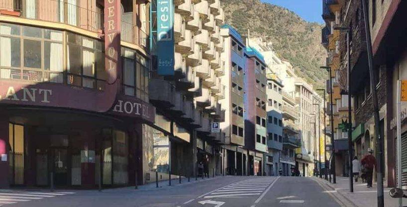 Comprar Hotel en Andorra. Céntrico. Inversiones inmobiliarias Versus Andorra