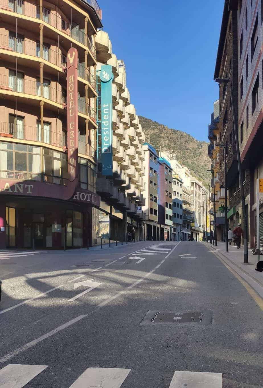 Hotel de 3* en venta centrico Andorra