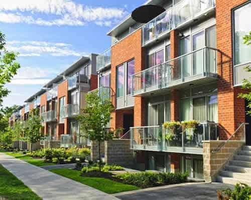 Compra venta casas adosadas en Andorra. Inversiones inmobiliarias Versus, la inmobiliaria de confianza para su inversión.