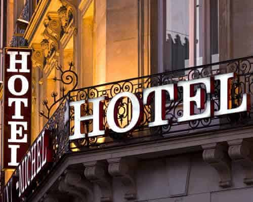 Compra venta de hoteles en Andorra. Versus le ofrece garantía de una gestión integral en todas sus operaciones inmobiliarias